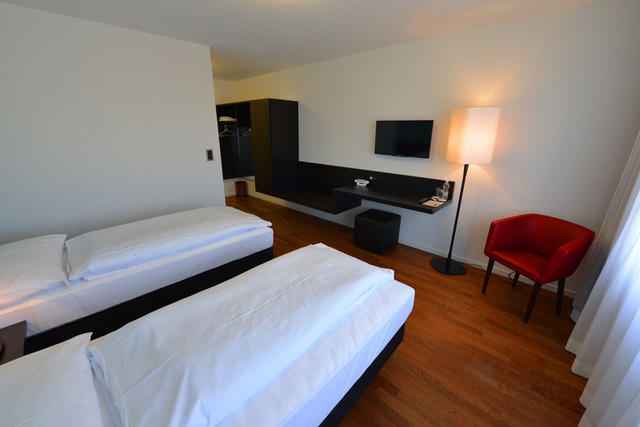 Hotel illuster uster use coupon stayintl get 2000 cashback previous next solutioingenieria Image collections
