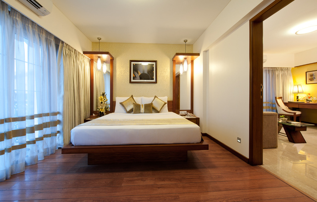Grand Residency Hotel Mumbai Room Rates Reviews Amp Deals