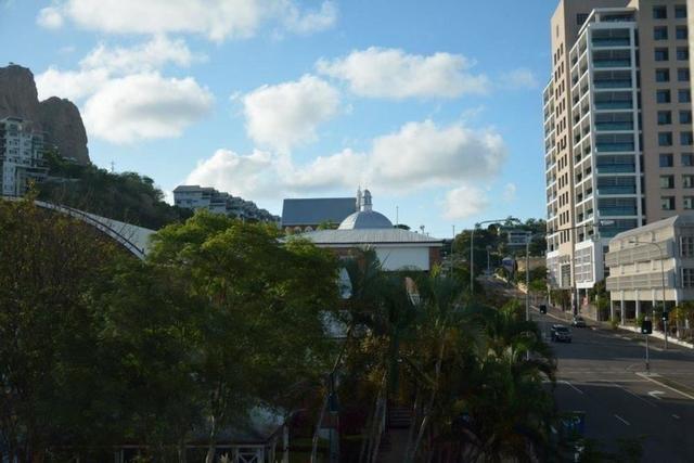 Jupiters Townsville snelheid dating
