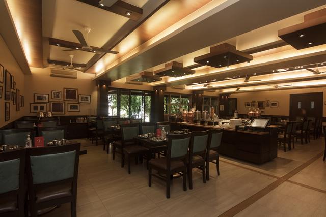Dining_hall_-1