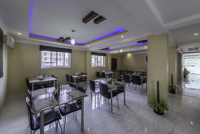 22_Restaurant_(2)