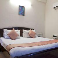 OYO_Rooms_Noida_Electronic_City_(5)