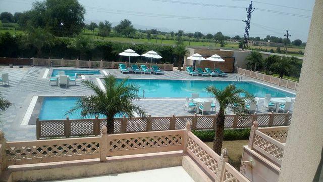 Grand Hira Resort Neemrana Room Rates Reviews Amp Deals