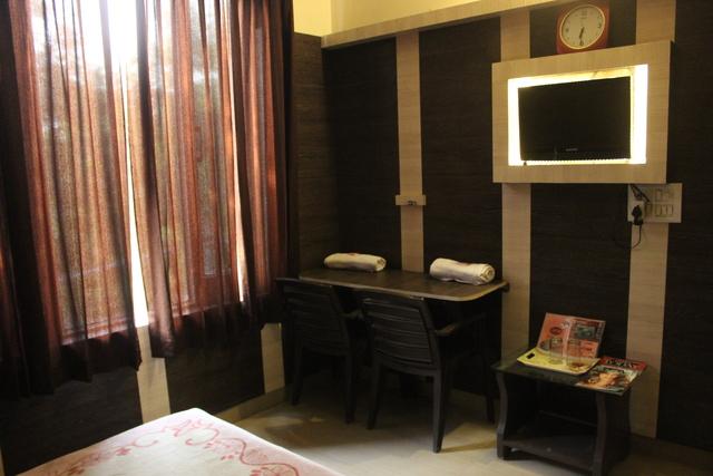family_room_3
