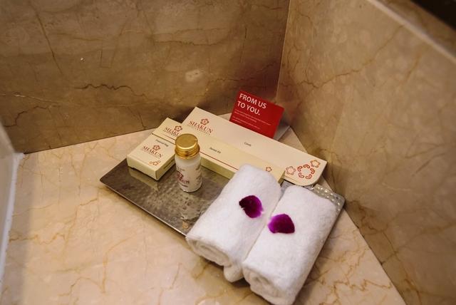 Bathroom_Amenities