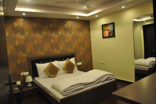 diamond_inn_room