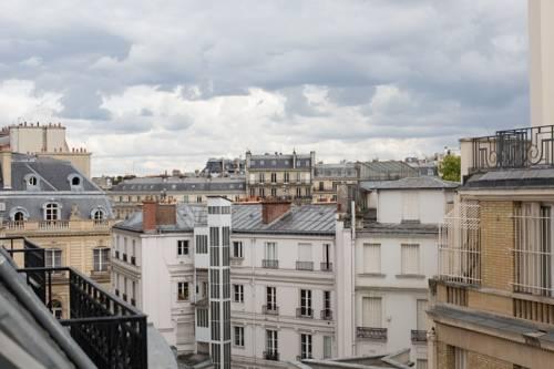 Avenue Foch - Arc De Triomphe Flat, Paris. Use Coupon Code HOTELS ...