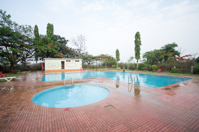 Jain farms resort hosur use coupon code hotels get 10 off for Swimming pool near sahakar nagar bangalore