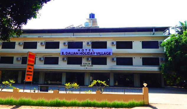 hotel-e-dalian-holiday-village-goa-front-view-43074743574g