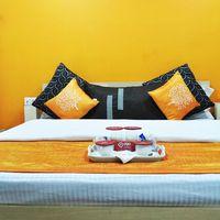 OYO_Rooms_Noida_City_Centre_Sector_51_(2)