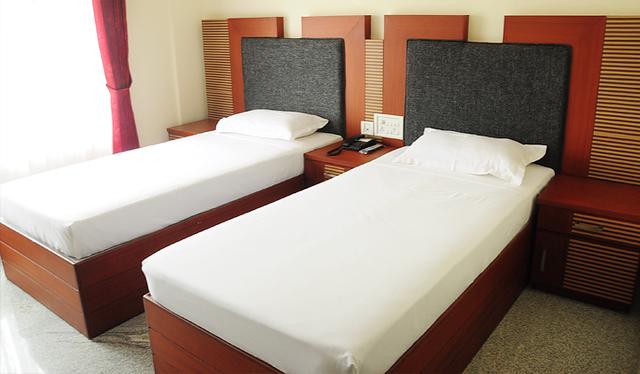 Hotel_Highway_Palace_Inn_(12)
