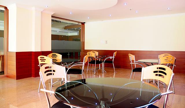 Hotel_Highway_Palace_Inn_(6)
