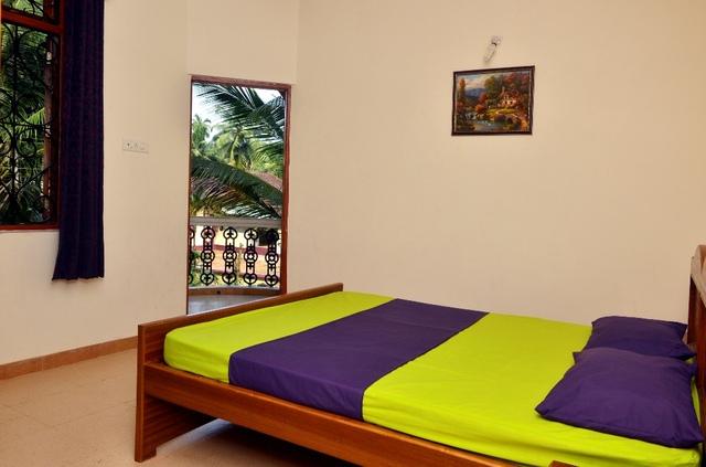 3_antonios_residency_Goa_bed_room_balcony_view_at_Gonsua_Betalbatim_to_attach