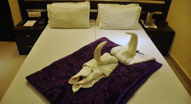 Hotel_Ganges_Park_Room_1