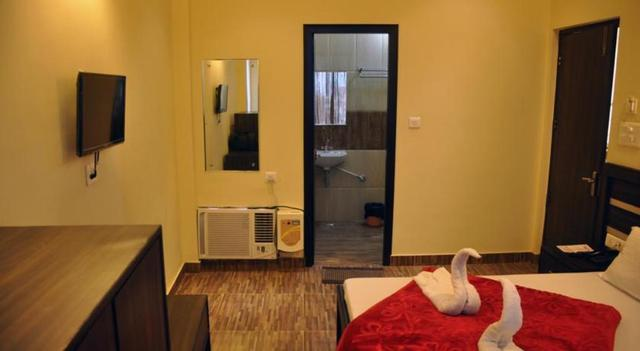 Hotel_Ganges_Park_Room_3