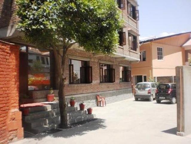hotel-sheesh-mahal-srinagar-exterior-view-33054033g