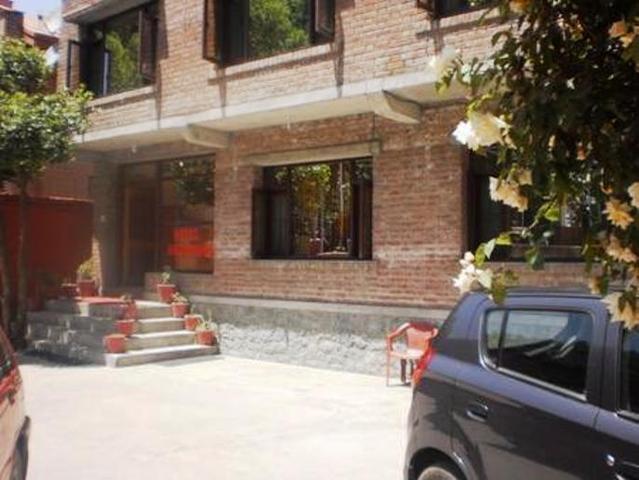 hotel-sheesh-mahal-srinagar-exterior-view-33054066g